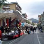 Varazze-17042010-Primo sabto di mercato in via Nocelli