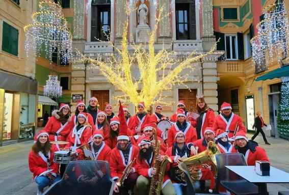 Quando Si Aprono I Regali Di Natale.Ponente Varazzino Varazze Svela Il Suo Calendario Natalizio