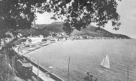 Il mare lambiva l'Aurelia e la ferrovia