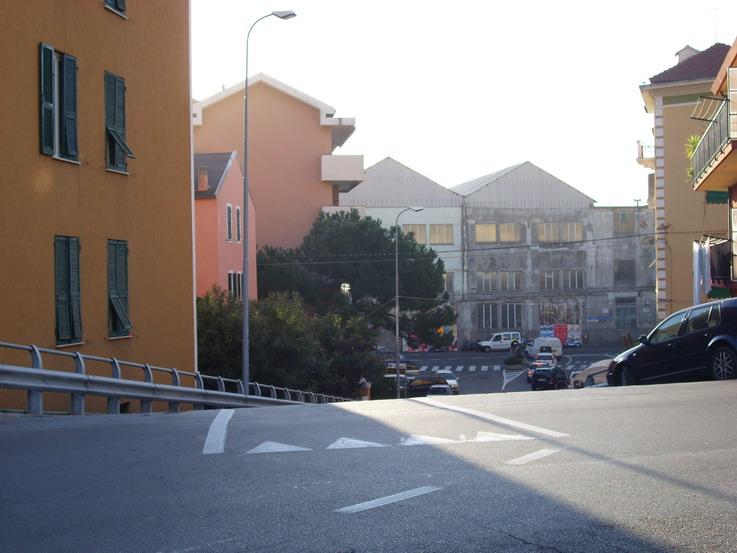 discesa pericolosa da piazzale FS verso piazza XXIV Maggio.